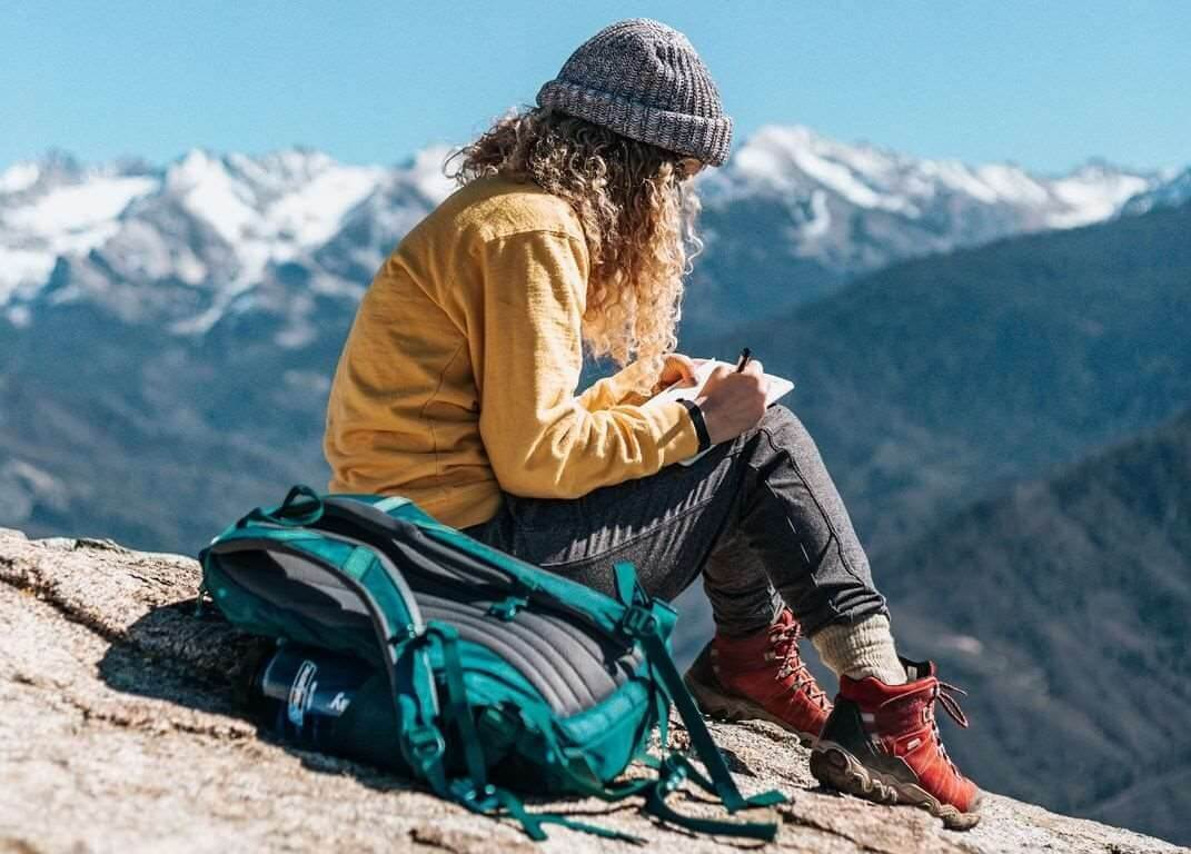 How to Start a Travel Journal for Solo Travelers